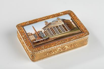 GOLD AND MICROMOSAIC SNUFF BOX.<br/>