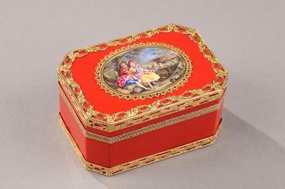Louis XV Gold snuff box. Mid-18h century.