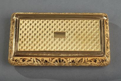 Gold snuff box early 19th century.  Signed Louis-François Tronquoy.