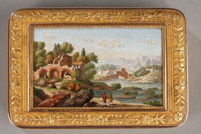 Boite or et micro-mosaïque. Début du XIXème siècle.