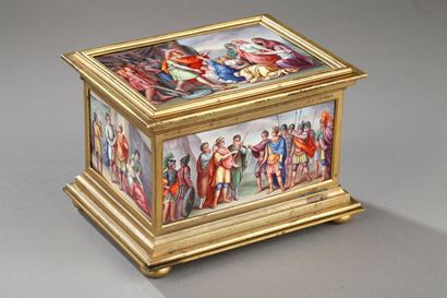 ENAMEL BOX WITH MYTHOLOGICAL SCENES. VIENNA 19TH CENTURY.