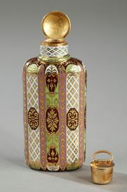 Multicolored Flask with Enameled Gold. 