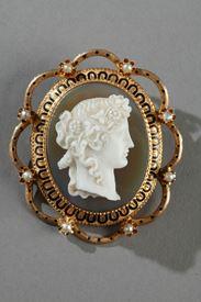 Camée agate, monture or émaillé. Napoléon III