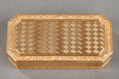 Gold Snuff box. Late 18th century.