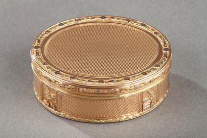 GOLD SNUFF BOX.<br/> LOUIS XVI PERIOD.