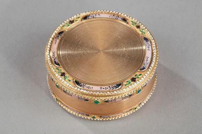 Gold and enamel 18th century circular box.