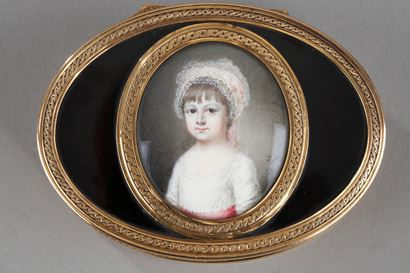 A Louis XV gold-mounted tortoiseshell portrait snuff box. Circa 1771-1774.
