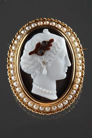Gold-Mounted Agate Cameo Brooch.<br/>