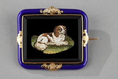 Mid-19th century gold brooch with micromosaic.