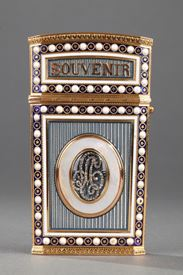 TABLET CASE IN GOLD WITH ENAMEL, MOTHER-OF-PEARL AND IVORY.<br/>