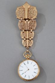 Chatelaine in gold and enamel signed Modeste Anquetin.