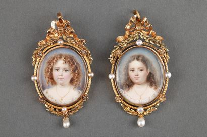 Exceptionnal pair of miniatures on ivory with gold frame;<br/> Mid-19th century;