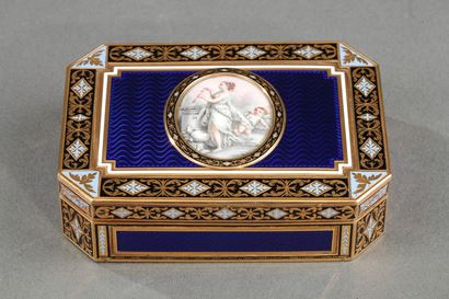 Gold and enamelled 18th century Swiss snuff-box.