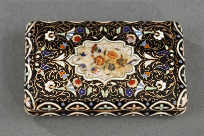 Mid-19th century Gold and enamel snuffbox.