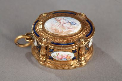 19th century Gold and enamel Box pendant.