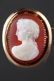 Mid-19th Century Cameo Brooch With Gold Mounting