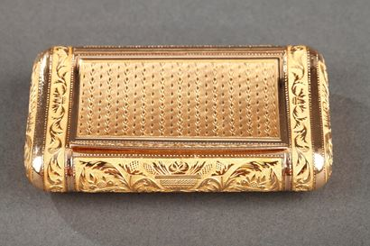 An early 19th century French gold snuff-box.