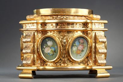 Mid-19th century engraved gilted bronze mounted casket with miniatures.