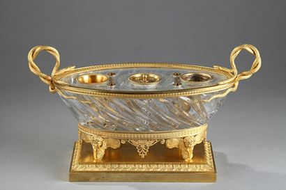 Charles X Cut crystal gilded bronze inkwell. Circa 1815-1820.