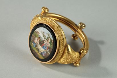 GOLD AND MICROMOSAIC BRACELET.