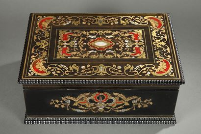 MID-19TH CENTURY WOODEN COFFER INLAID WITH MOTHER OF PEARL.