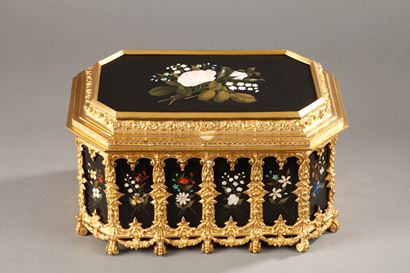 Pietra dura and gilt bronze box.<br/>