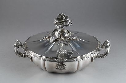Silver vegetable-dish covered by Marc-Auguste Lebrun. Paris. 19th.