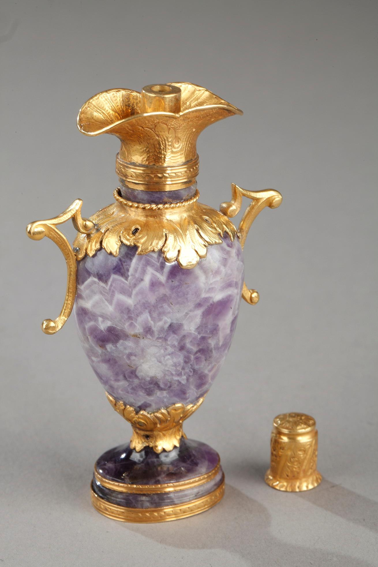 Gold and amethyst Perfum Flask. Early 19th century.