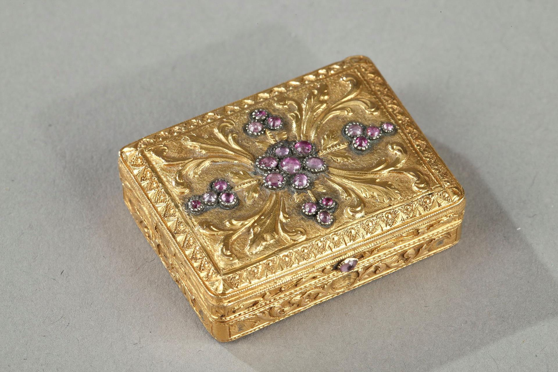 OLD VINAIGRETTE WITH PRECIOUS STONES.<br/> MID-19TH CENTURY WORK.