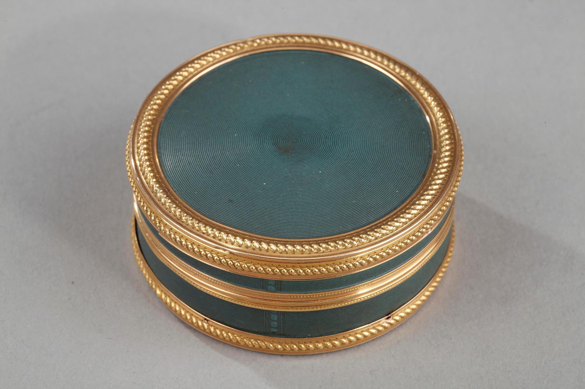 Louis XVI Candy box in gold. Circa 1782.