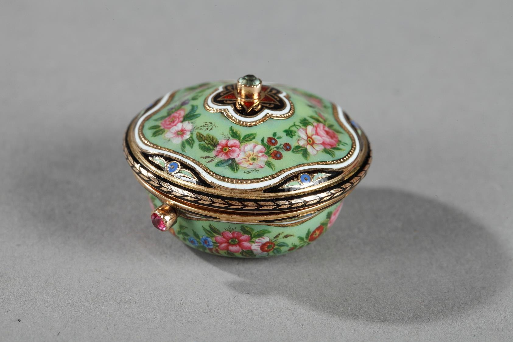 VINAIGRETTE IN GOLD, ENAMEL, AND PRECIOUS STONES.<br/> MID-19TH CENTURY WORK.