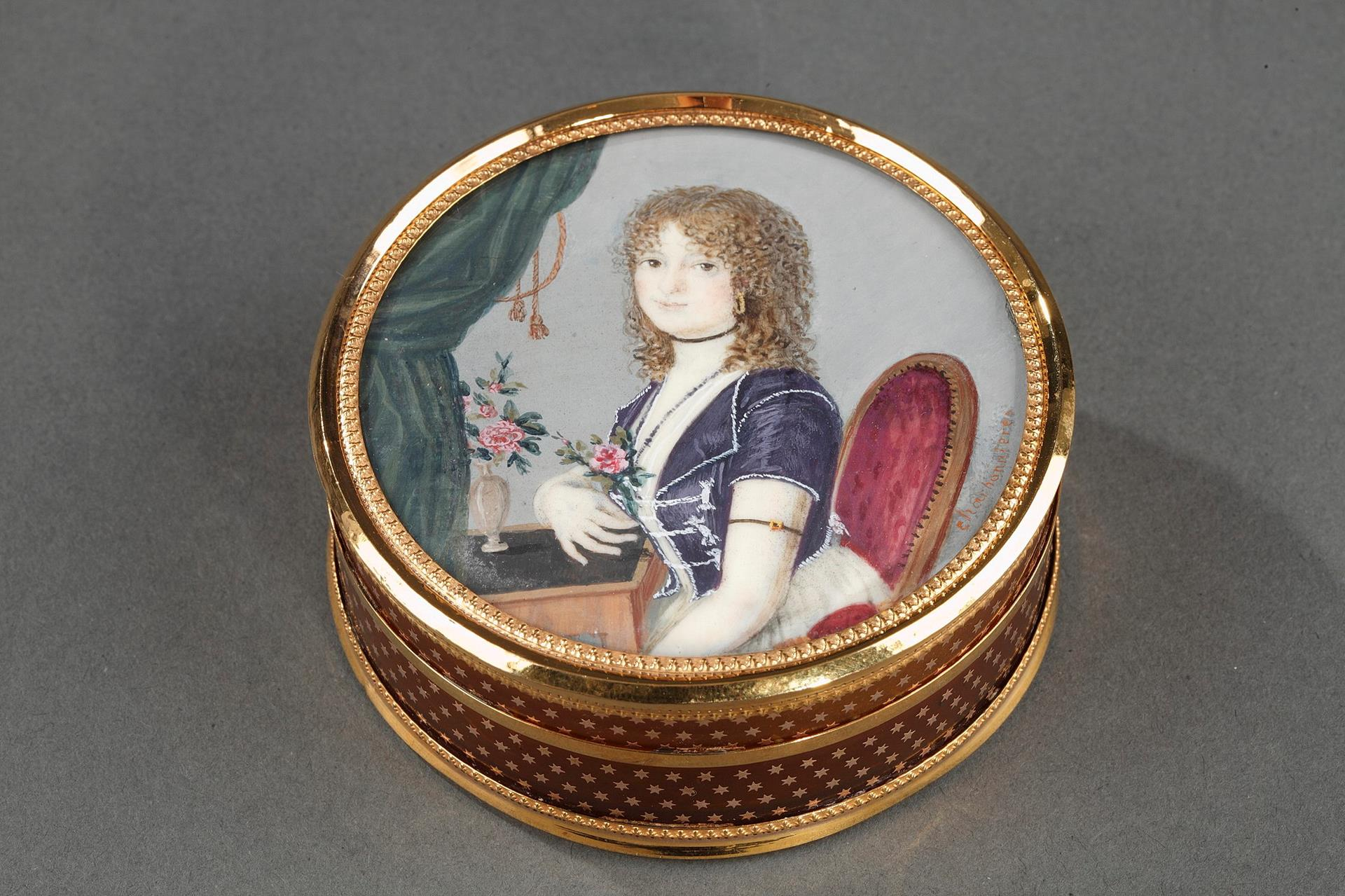 French gold-mounted tortoiseshell with miniature signed Charbonnières. Early 19th century