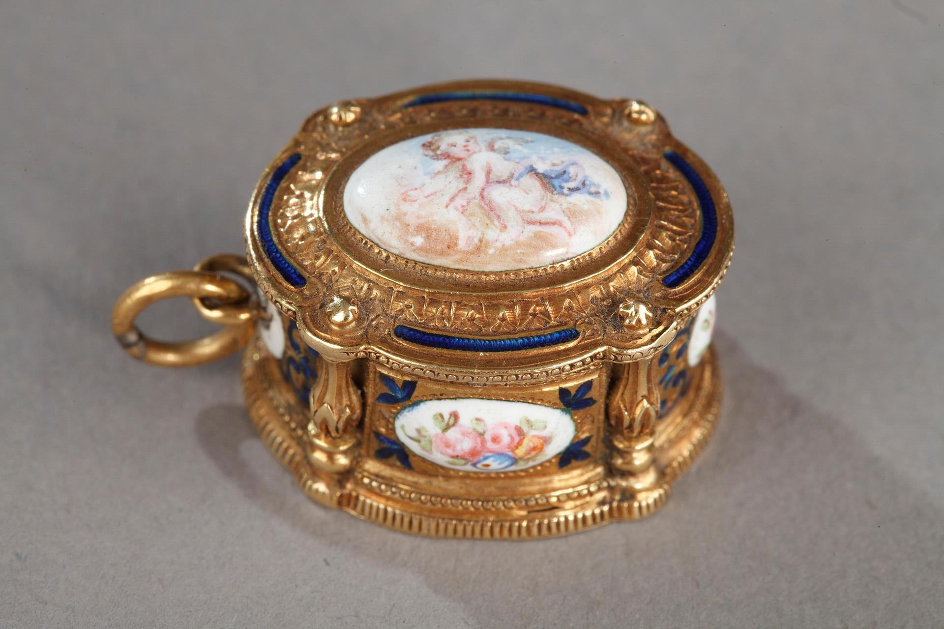 19th century Gold and enamel Box pendant.