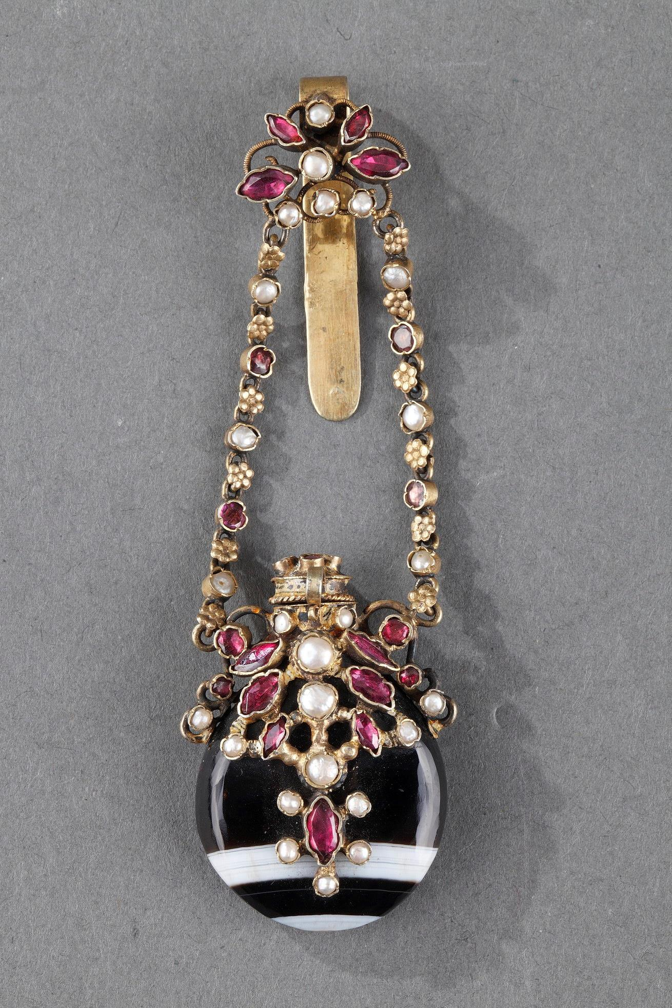 SILVER CHATELAINE WITH AGATE AND GEMSTONES.<br/> LATE 19TH CENTURY WORK.