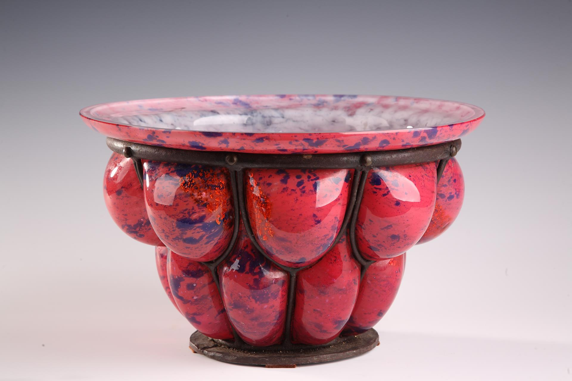 A LOUIS MAJORELLE AND DAUM GLASS AND WROUGHT-IRON BOWL. Art Deco Period.