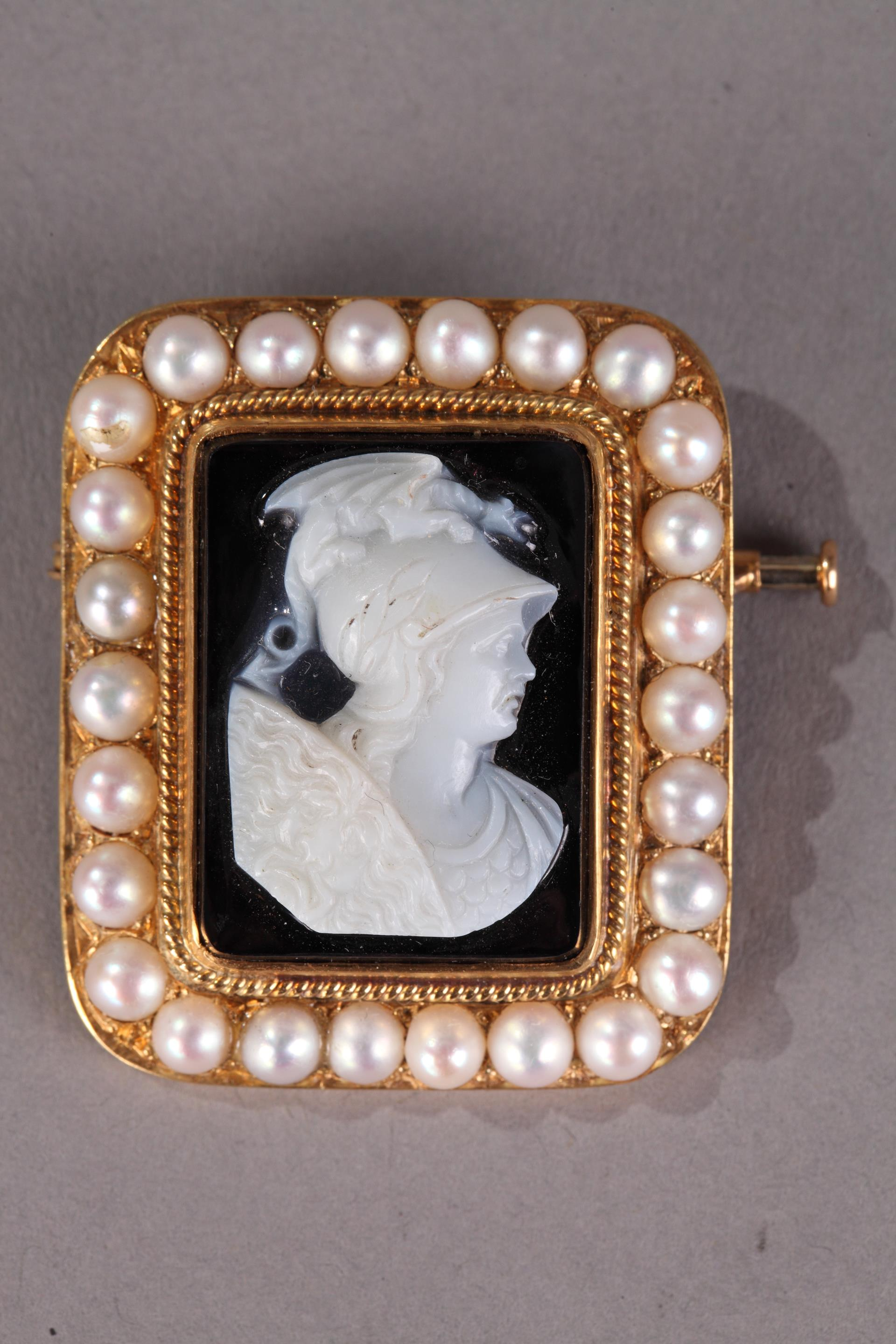 Cameo on Agate featuring Perseus.<br/>